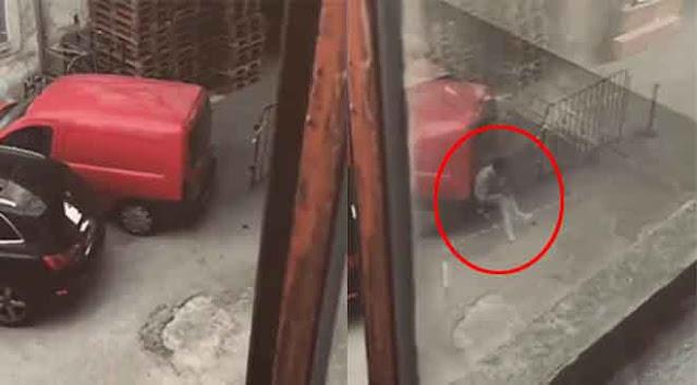 คลิปแอบหลอน! เมื่อมีคนจับภาพท้ายรถผ่านหน้าต่าง แล้ววินาทีสยองก็เกิดขึ้น