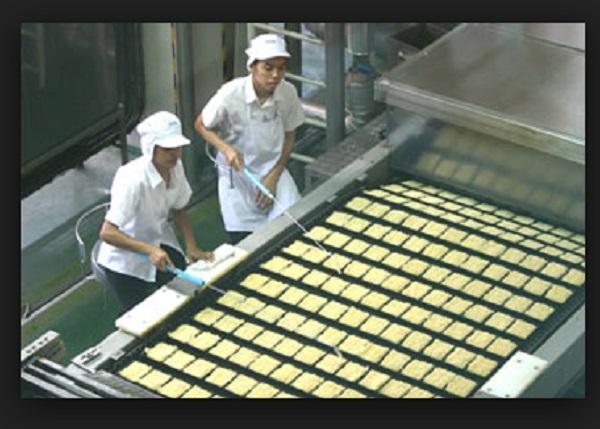 คลิปการผลิตมาม่าที่โรงงานจีน เห็นแล้วคุณอยากจะกินมั๊ย?
