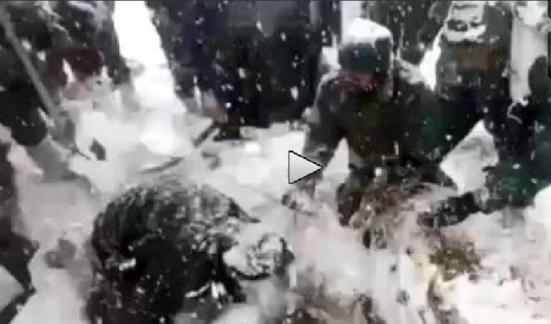 รอดปาฏิหาริย์! ทหารอินเดียถูกฝังใต้หิมะนาน 6 วัน (ชมคลิป)