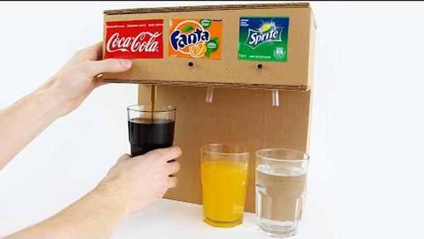 แบบนี้ต้องแชร์ !! วิธีทำ ตู้กดน้ำ แบบง่ายๆ แค่มี กล่องลังกระดาษ ก็ทำได้แล้ว