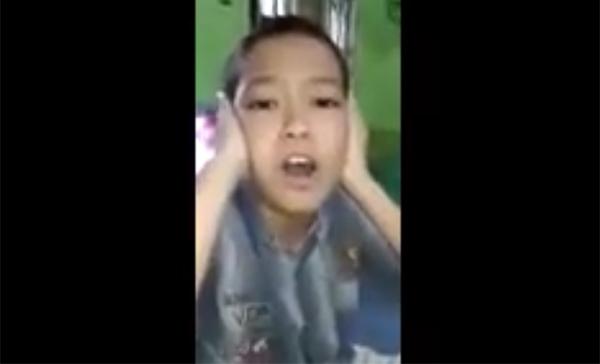 เด็กคนนี้พิการ (เด็กดาว) ได้ยินเสียงอาซานทุกวันจนหัวใจซาบซึ้ง ได้อาซาน ไพเราะมาก